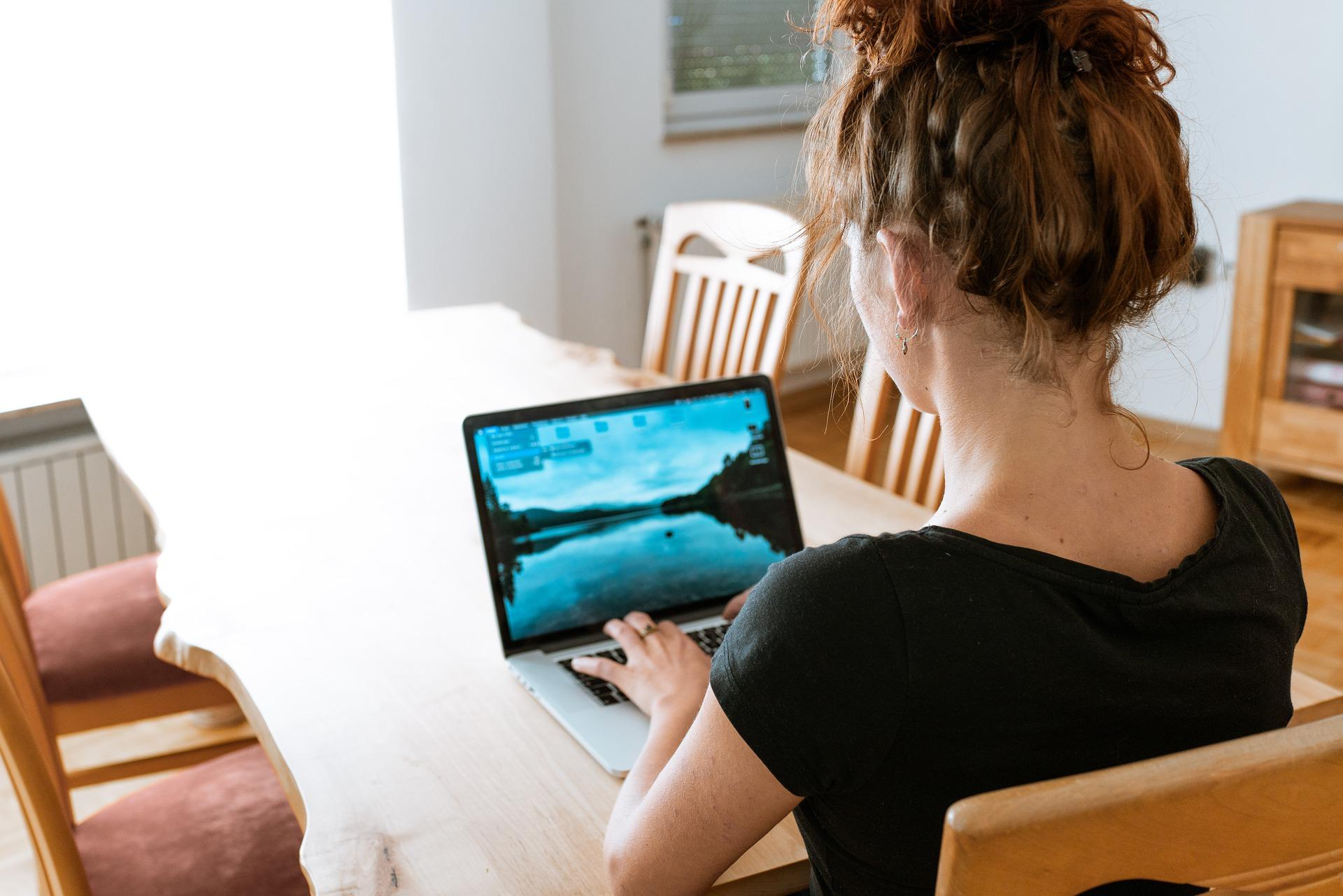 laptop, számítógép, home office,